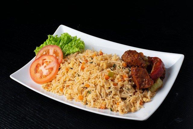 Intip Cara Masak Nasi Liwet Sunda Agar Terasa Gurihnya