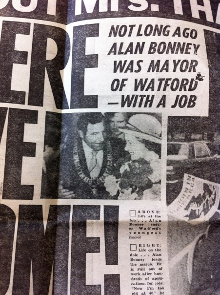 Alan Bonney as Mayor