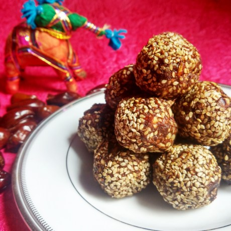 Sugar-Free Choco Peanut Laddus or Energy balls | How to make Choco Peanut laddus or Energy balls