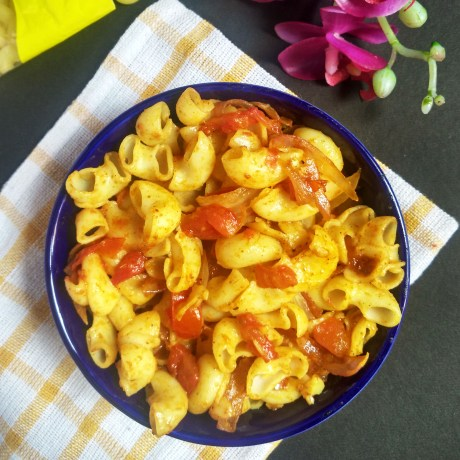 Macaroni Pasta with tomatoes and onion | How to make Macaroni Pasta with tomatoes and onion