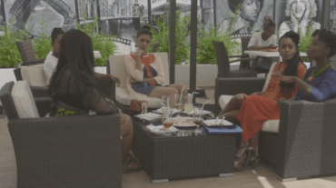 E10-girls at lunch 3