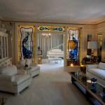 Visiting Graceland: the Home of Elvis Presley