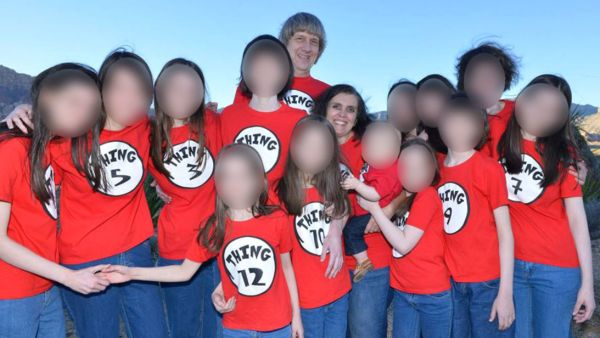 Daddy Turpin Tortured 12 of his 13 Kids, Baby Jane Style This vacation photo doesn't match the squalor waiting for the 13 Turpin kids when they got home. Mum and Dad look happy, but the kids have their faces blanked out to preserve their privacy.