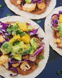 Roasted-cauliflower-tacos-on-a-plate