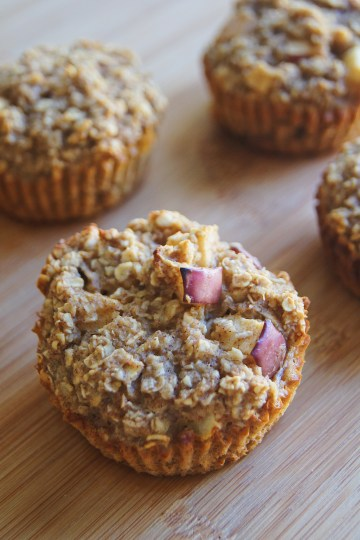 Skinny-Apple-Cinnamon-Oatmeal-Cups-on-a-cutting-board.