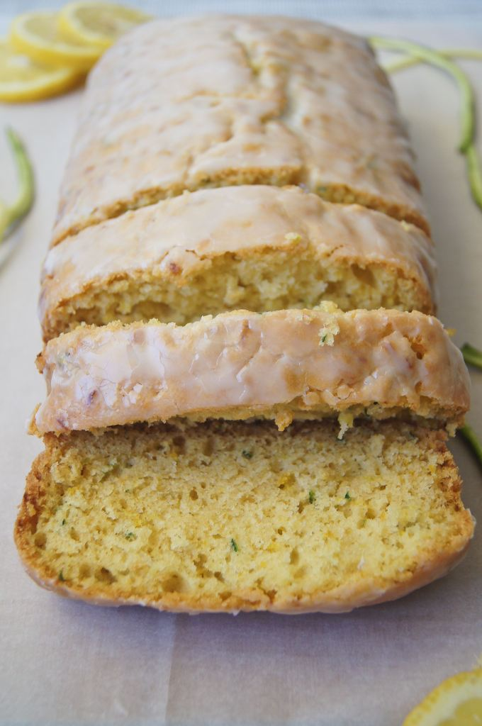Lemon-Zucchini-bread-sliced-in-a-row