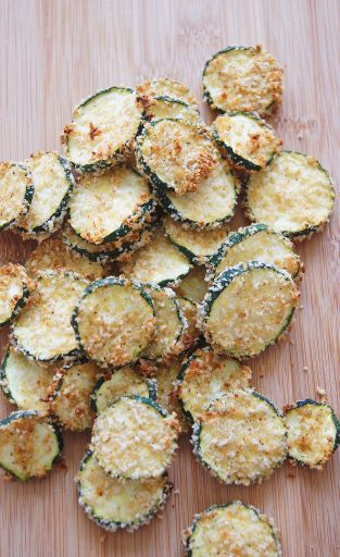 Zucchini-chips-on-cutting-board-top-view-1