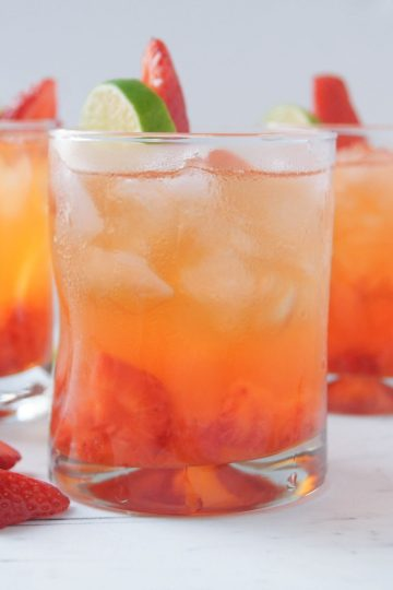 Strawberry Tequila Soda 5 minute