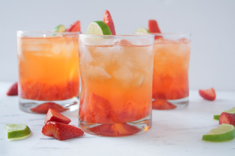 Strawberry Tequila Soda 5 minute