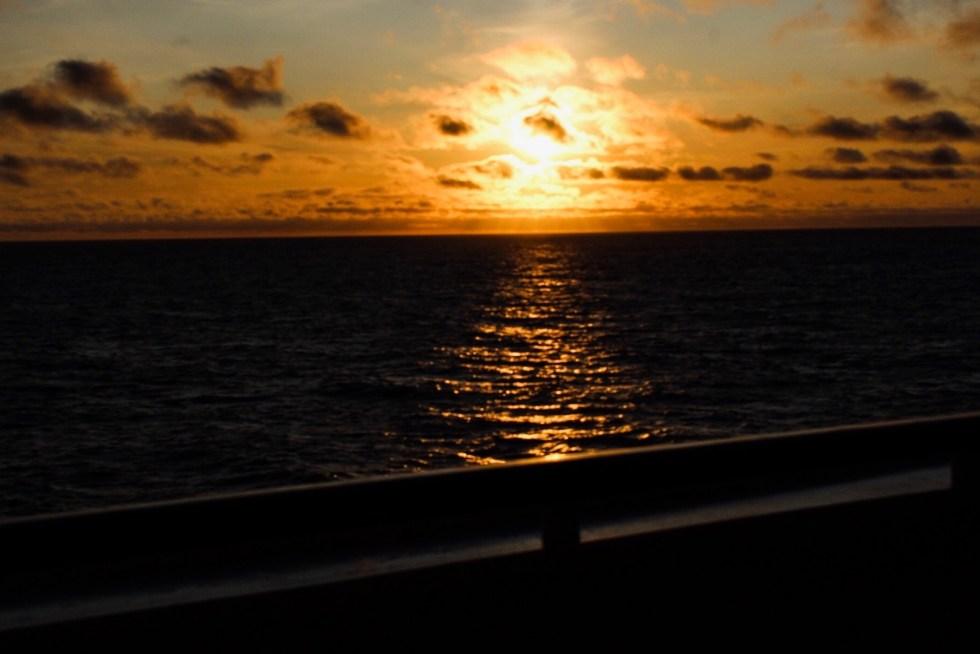 zonsondergang, cruise, cruise Noorwegen, reizen per cruise, reizen met een cruise, Nieuw Statendam, HAL, Holland America Line, thathomepage, (th)athomepage, cruise reizen