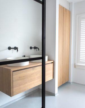 badkamer, badkamer verbouwen, badkamerverbouwing, gietvloer, interieur, interieurinspiratie, jaren 30 huis, thathomepage, (th)athomepage, vloerverwarming badkamer, elektrische vloerverwarming badkamer