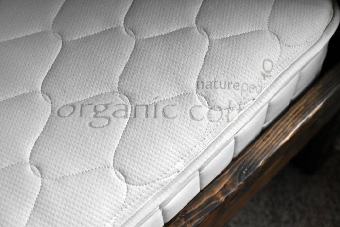 organic-cotton-naturepedic