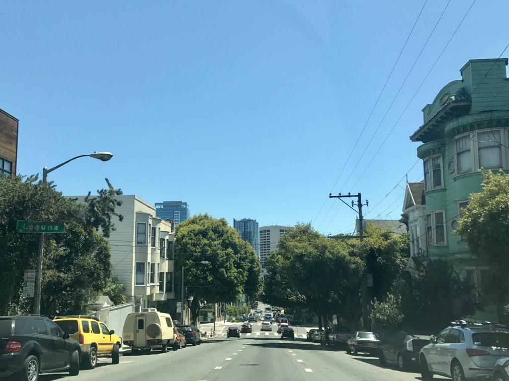 San Francisco is een stad met veel hellingen en dalen.
