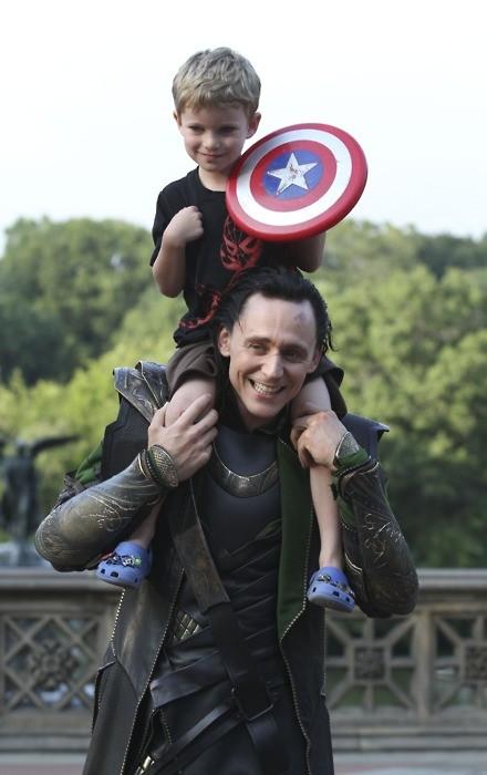 Tom Hiddleston, kid, Capt. America,