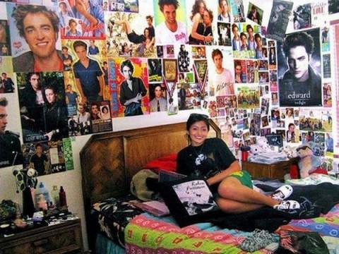 Twilight bedroom, nerds dating,