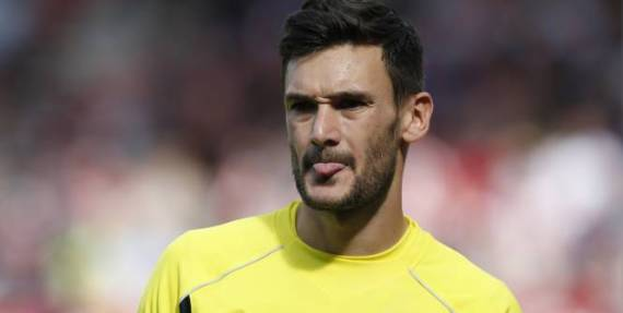Hugo Lloris tongue