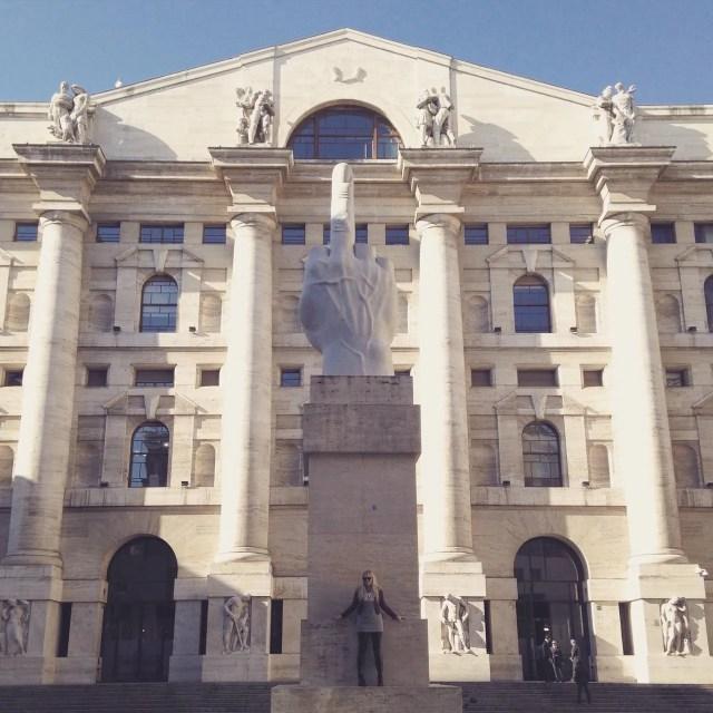 INGRIDESIGN L.O.V.E. sculpture milan