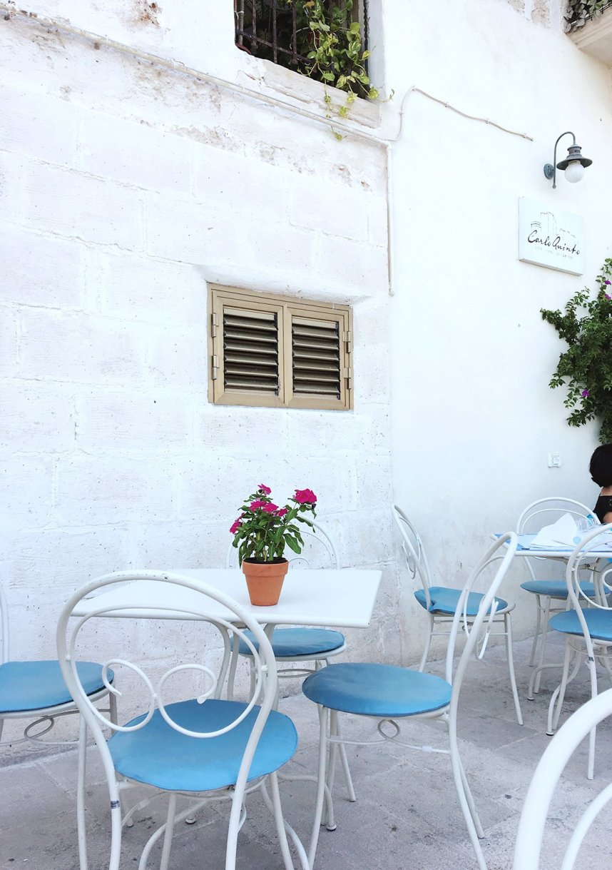 puglia_monopoli_breakfast_table
