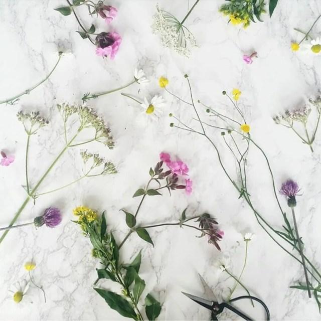 scandinavian_feeling_hygge_flowers_flatlay