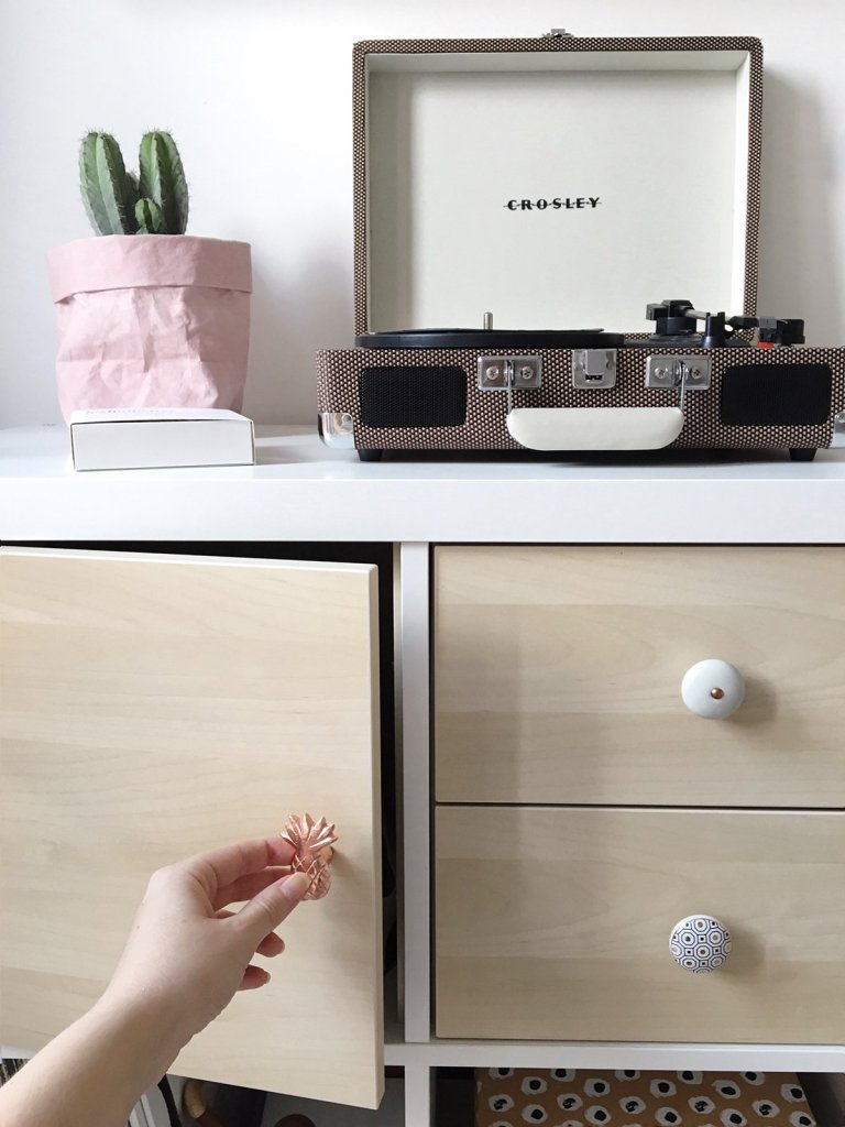 Diy How I Customized My Ikea Kallax Shelving Unit With Doors Amp Knobs