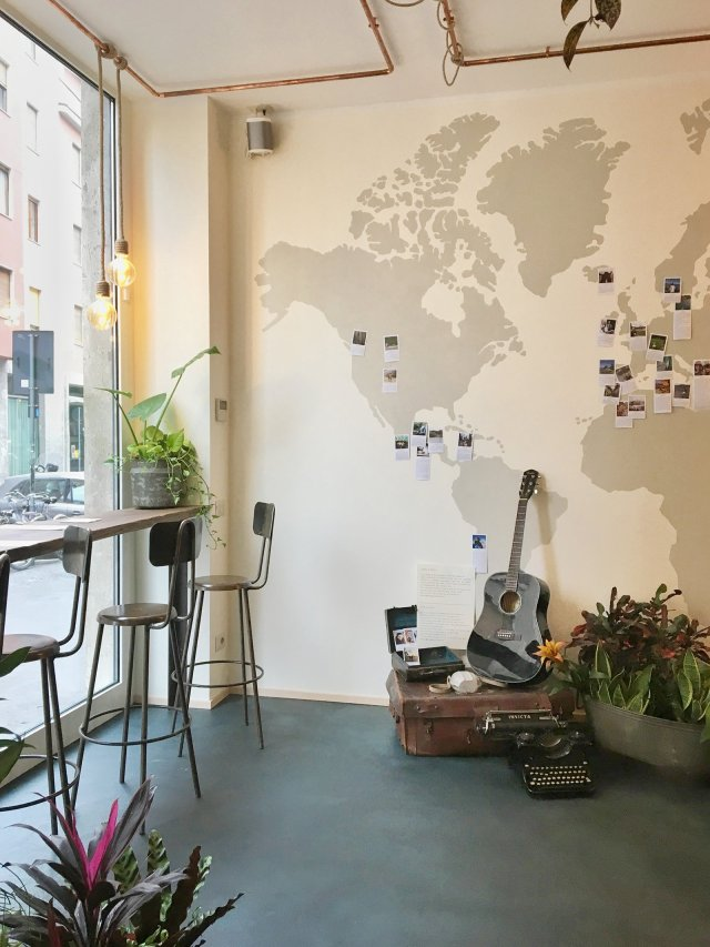 The cozy hygge cafe in milano italy for Coffee tables you can sit on