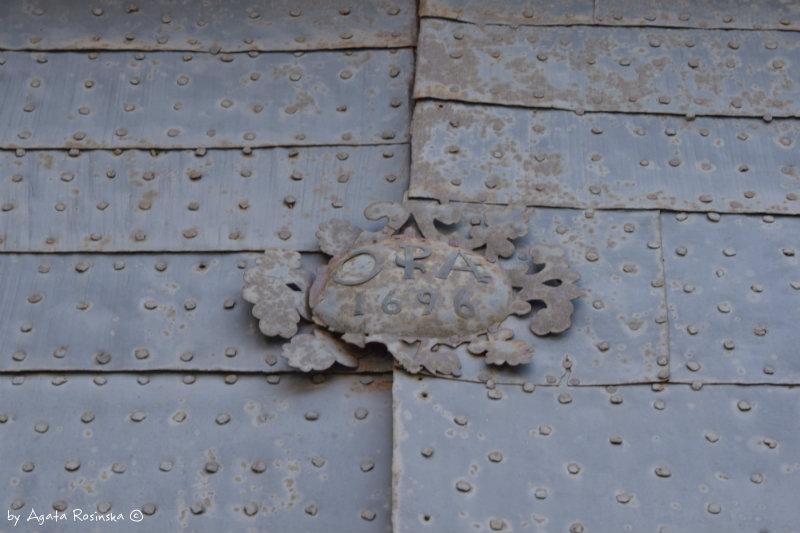 antique door Sarzana