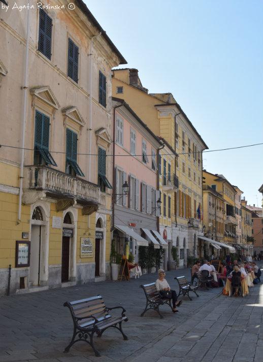 locals in Piazza Matteotti
