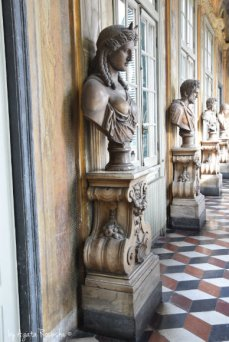 sculptures in Rolli Palace