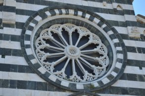 rosetta of the church in Levanto