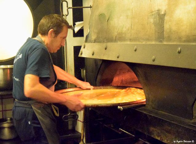 puting farinata in oven