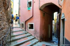 way up or down Tellaro