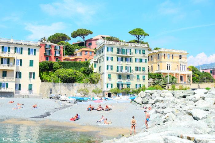 beach next to Boccadasse Ge