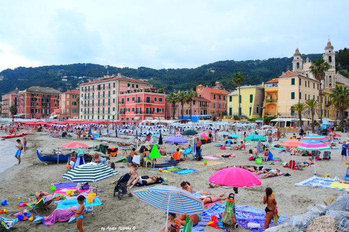 sandy beach in Laigueglia