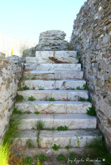 marble staircase amphitheater Luni