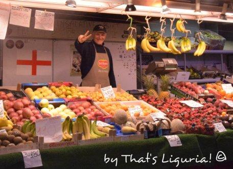 fruits Mercato Orientale Genoa