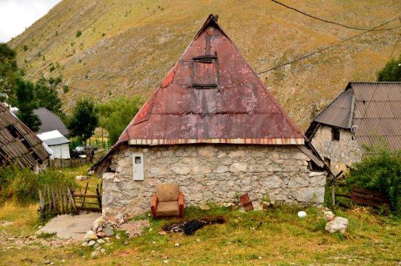 Lukomir house