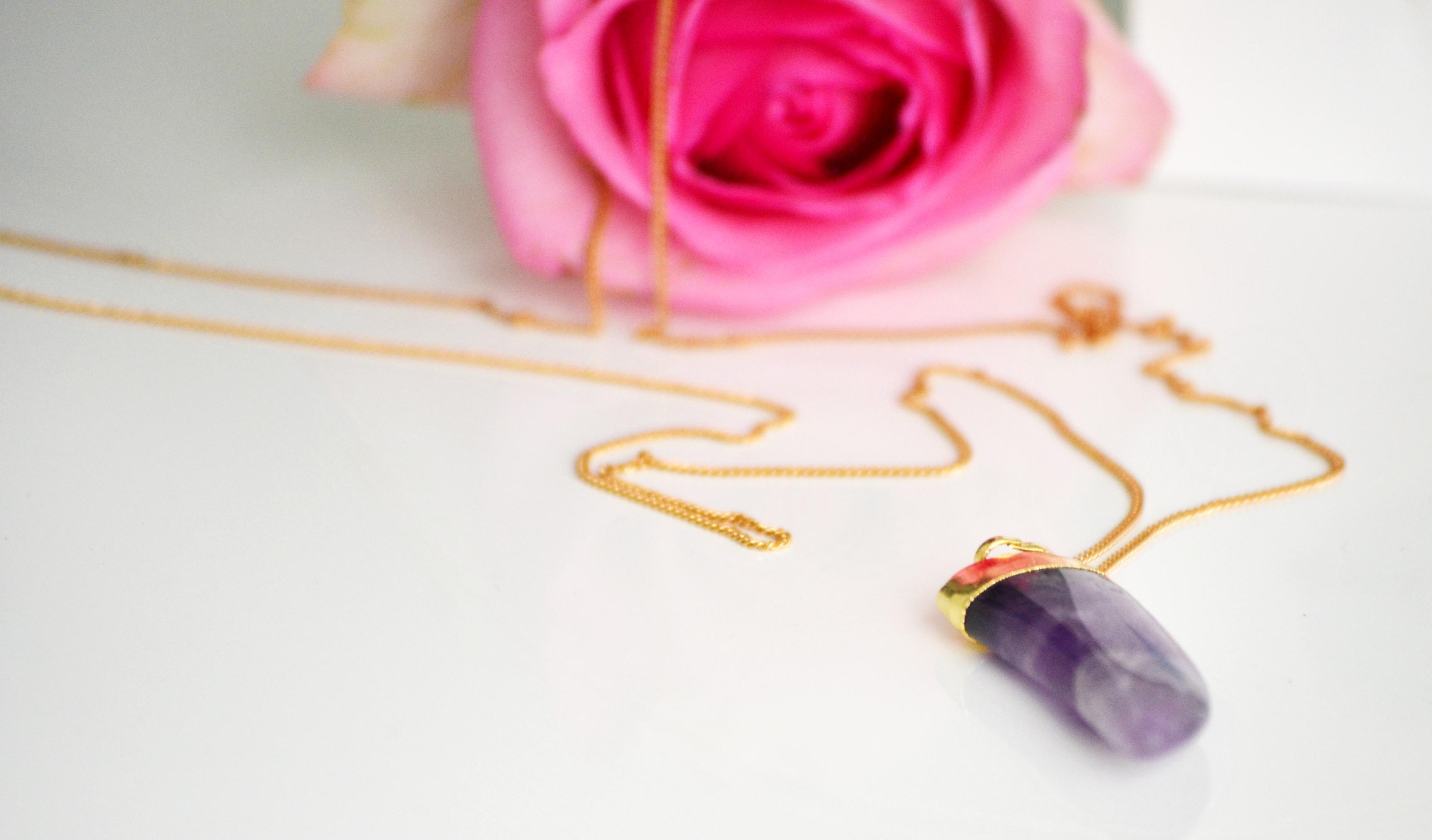 gem-tooth-necklace