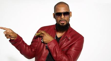 R. Kelly Accused Of Making Fun Of Autistic Fan Outside LA Nightclub