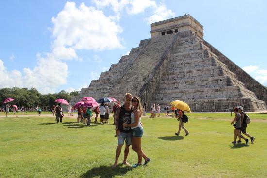 ChichenItza_ruins_maya_mexico