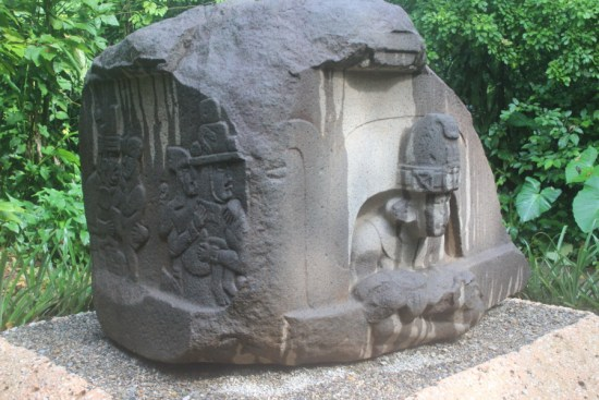 Olmec-Mexico-Altar of the children