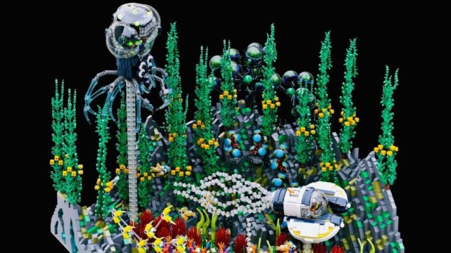 Lead Image -- Subnautica's 4546B made in LEGO by Lysander Chau