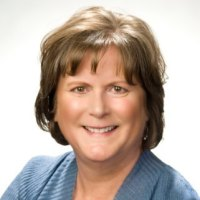 Lynn Zonakis headshot