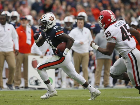 636460194851947781-USP-NCAA-FOOTBALL-GEORGIA-AT-AUBURN-95252677