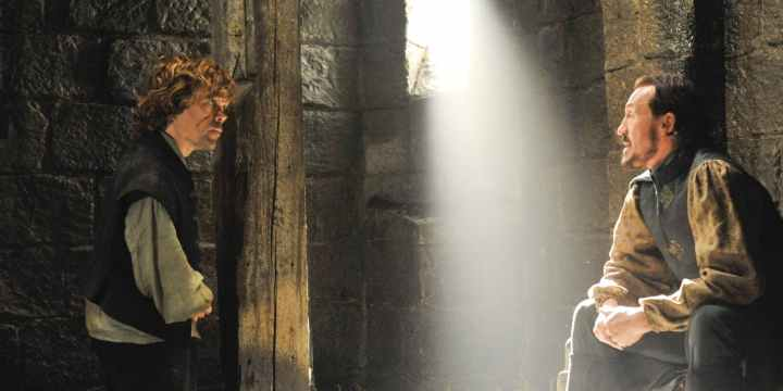 Peter-Dinklage-as-Tyrion-Lannister-and-Jerome-Flynn-as-Bronn-in-Game-of-Thrones-scène-coupée-saison-7