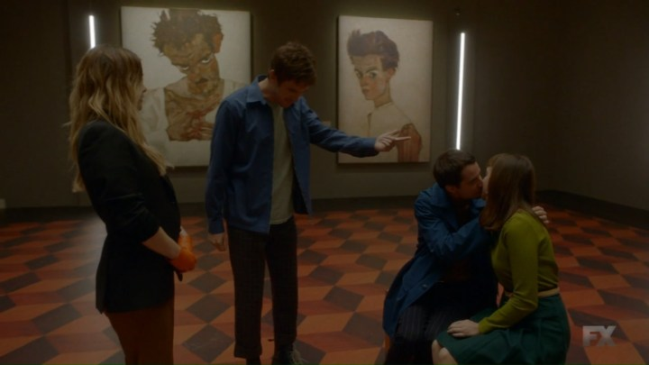 chapter-12-david-believes-that-syd-is-drawn-to-the-kissing-couple-at-the-art-gallery