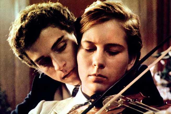 Ernesto. Violin.