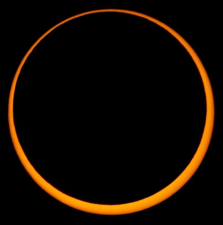 May_2012_Annular_Solar_Eclipse_(V).jpg