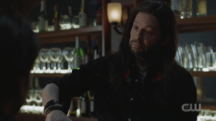 Supergirl - Season 5, Episode 17 - Deus Lex Machina - Lex's Bartender Wig