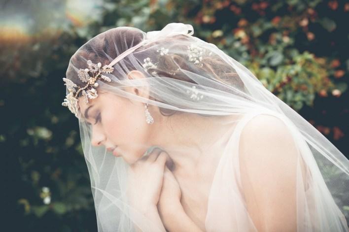 7 трендов в аксессуарах невесты