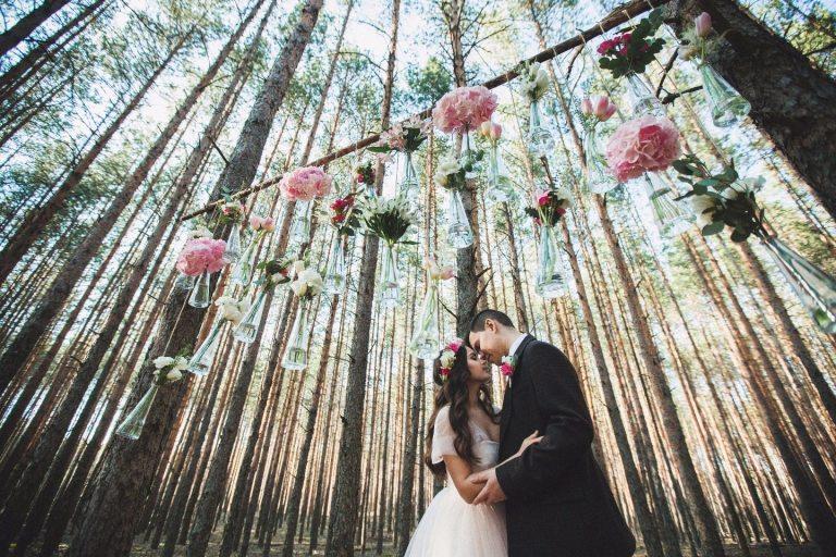 В весеннем лесу: свадьба Димы и Маши